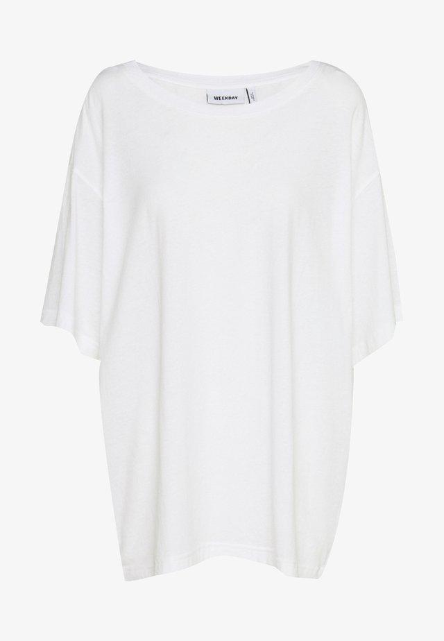 REBECCA - T-Shirt basic - white