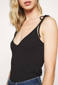 Weekday - LAVINIA SINGLET - Top - black - 5