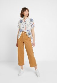 Weekday - TILLIE  - Camicia - offwhite/purple - 1