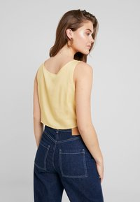 Weekday - JESSA TANK - Bluser - solid yellow - 2