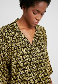 Weekday - FRANCA BLOUSE - Camicetta - multi-coloured - 4