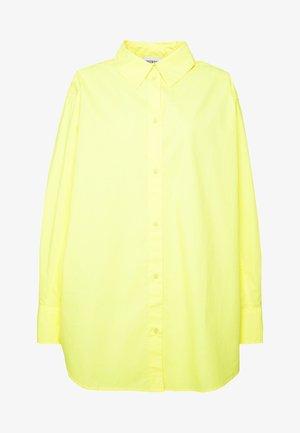 CHARLI POPLIN SHIRT - Chemisier - neon yellow