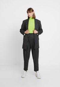 Weekday - LOUISE - Krátký kabát - grey - 1