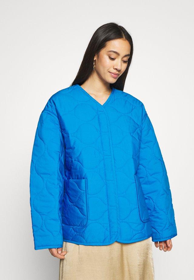 NOVA QUILTED JACKET - Jas - bright blue