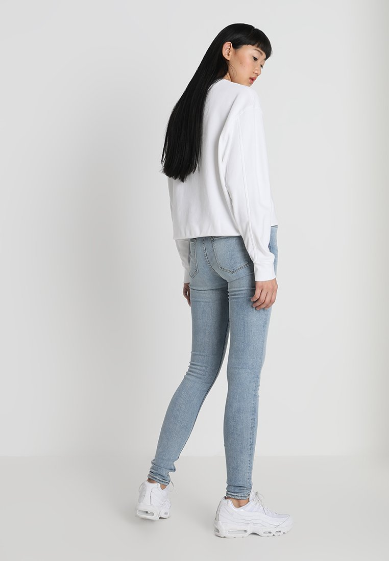 Weekday HUGE CROPPED - Sweatshirt - white