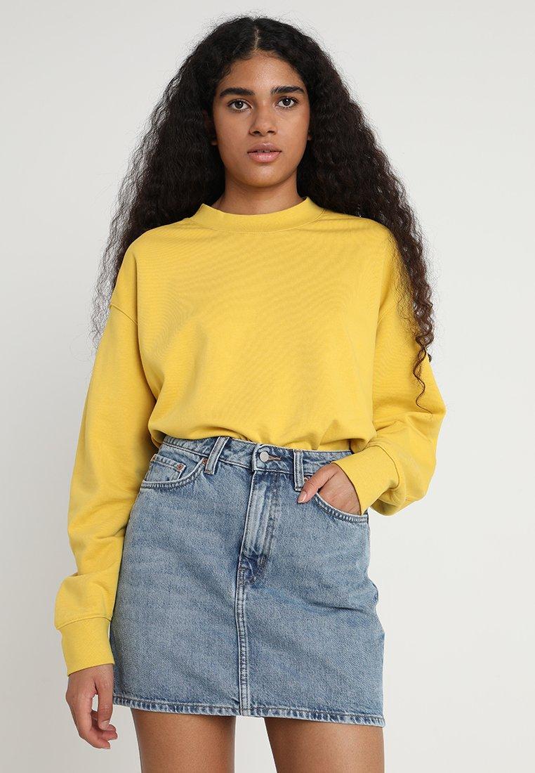 Weekday - HUGE CROPPED - Sweatshirt - yellow