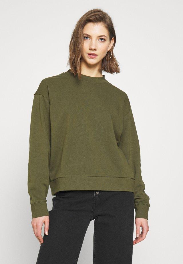HUGE CROPPED  - Sweatshirt - dark green