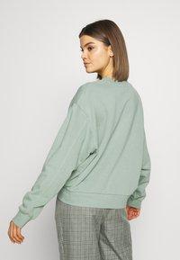 Weekday - HUGE CROPPED  - Sweater - sage green - 2