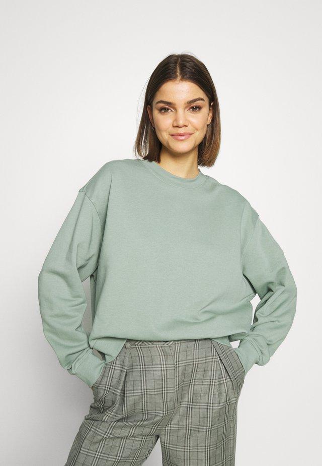 HUGE CROPPED  - Sweatshirt - sage green