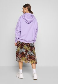 Weekday - ALISA HOODIE - Luvtröja - lilac purple light - 2