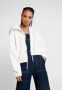 Weekday - MIMI ZIP HODDIE - Zip-up hoodie - white - 0