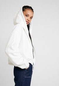 Weekday - MIMI ZIP HODDIE - Zip-up hoodie - white - 3