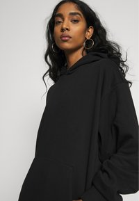 Weekday - LINDA HOODIE - Bluza z kapturem - black - 3