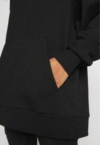 Weekday - LINDA HOODIE - Bluza z kapturem - black - 5