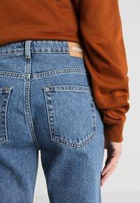 Weekday - VOYAGE - Straight leg jeans - blue denim - 5