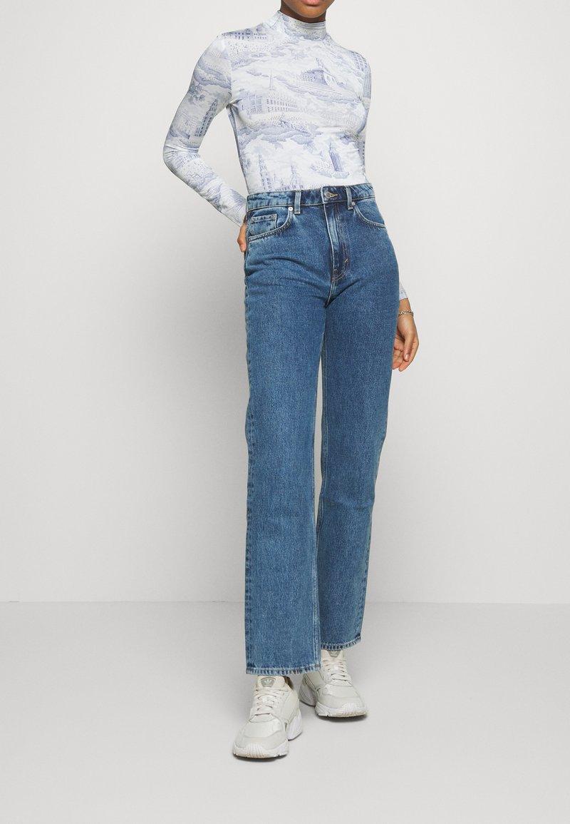 Weekday - VOYAGE STANDARD - Jeans straight leg - black