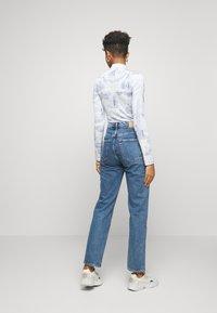 Weekday - VOYAGE STANDARD - Jeans straight leg - black - 2