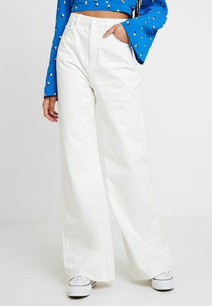 ACE - Jeansy Bootcut - off white