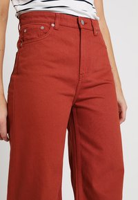 Weekday - ACE - Jeans bootcut - rust - 4