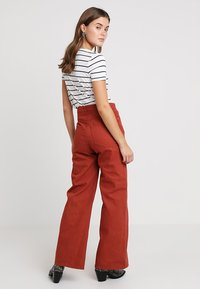 Weekday - ACE - Jeans bootcut - rust - 2