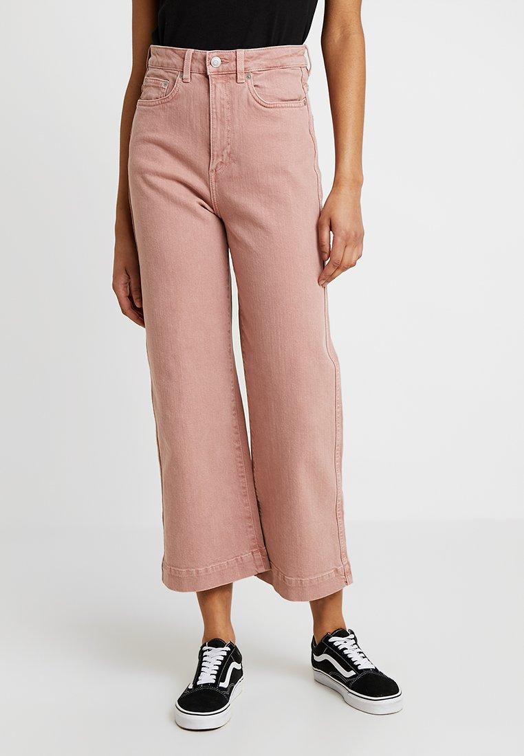 Weekday - VEER - Široké džíny - pink