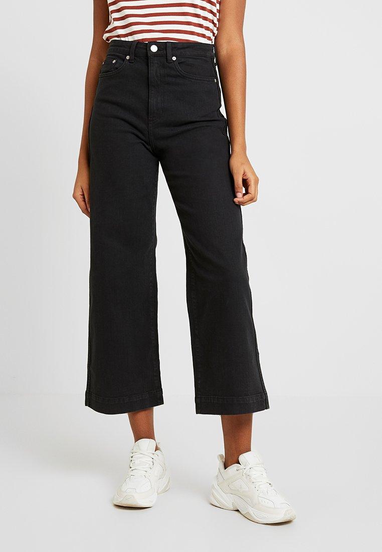 Weekday - VEER - Flared Jeans - black