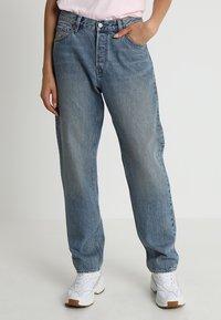 Weekday - NEMJUNG - Jeans Straight Leg - blue wash - 0