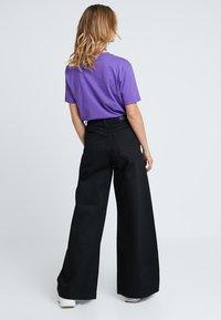 Weekday - BEAT - Jeans bootcut - black - 2