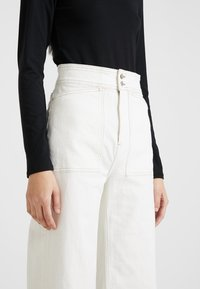 Weekday - WORKER - Flared jeans - white - 4