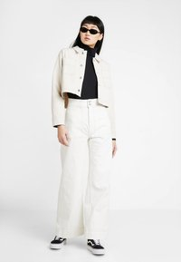 Weekday - WORKER - Flared jeans - white - 1