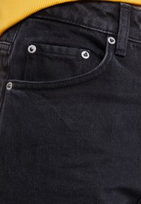 Weekday - MILE - Jeansy Bootcut - tuned black - 3