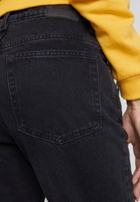 Weekday - MILE - Jeansy Bootcut - tuned black - 5