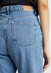 Weekday - ROW SKY - Relaxed fit jeans - sky blue - 5