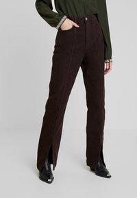 Weekday - ALABAMA TROUSER - Jeans straight leg - dark brown - 0