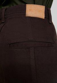 Weekday - ALABAMA TROUSER - Jeans straight leg - dark brown - 5