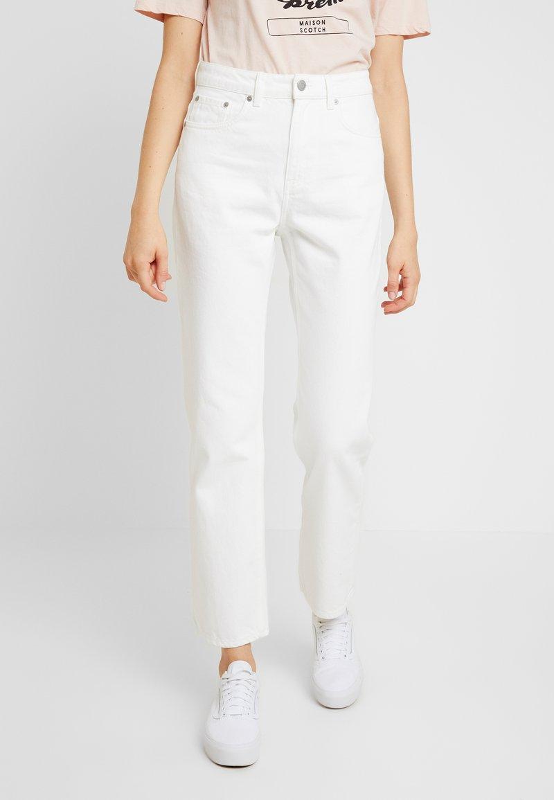 Weekday - VOYAGE LOVED - Straight leg jeans - white