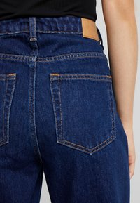 Weekday - VOYAGE - Relaxed fit jeans - river blue - 6