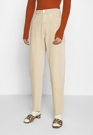 LASH - Relaxed fit jeans - light beige