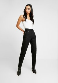 Weekday - LASH - Relaxed fit jeans - black - 0