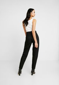 Weekday - LASH - Relaxed fit jeans - black - 2