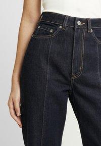 Weekday - ROW SPLIT - Flared jeans - rinse - 5