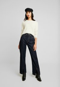 Weekday - ROW SPLIT - Flared jeans - rinse - 1