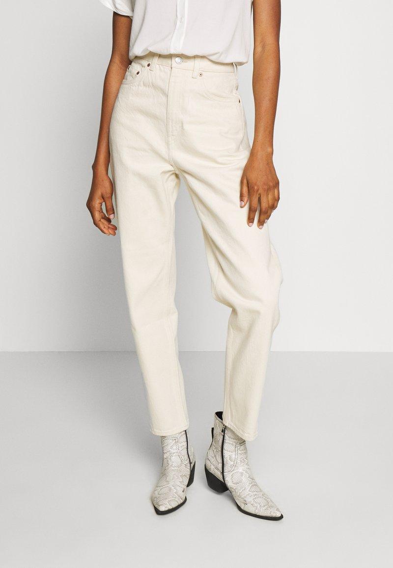 Weekday - MEG HIGH MOM WASHED BACK - Jeans straight leg - ecru
