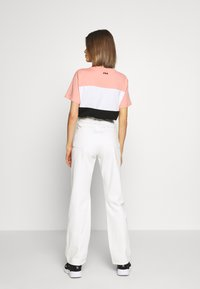 Weekday - ROWE  - Relaxed fit jeans - white - 2