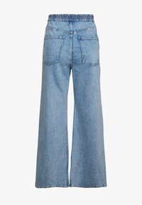 Weekday - LINEAR TROUSERS - Jeans Straight Leg - summer blue - 2