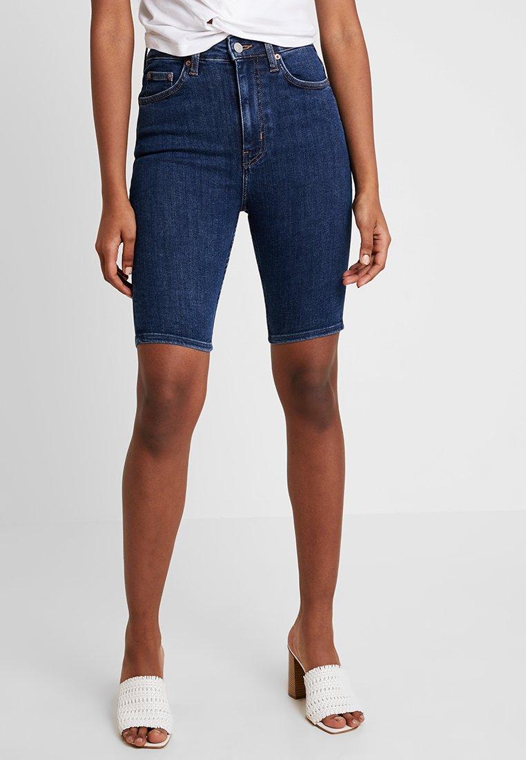 Weekday - BODY HIGH - Denim shorts - peralta blue