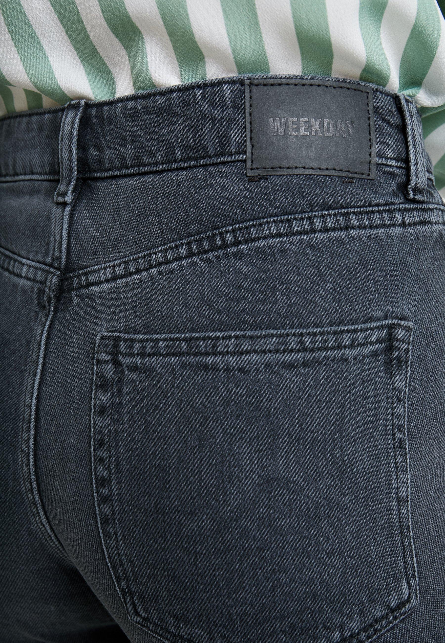 Weekday EYA - Szorty jeansowe - night black