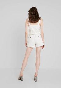 Weekday - ROCIO SHORTS - Shorts - off white - 2