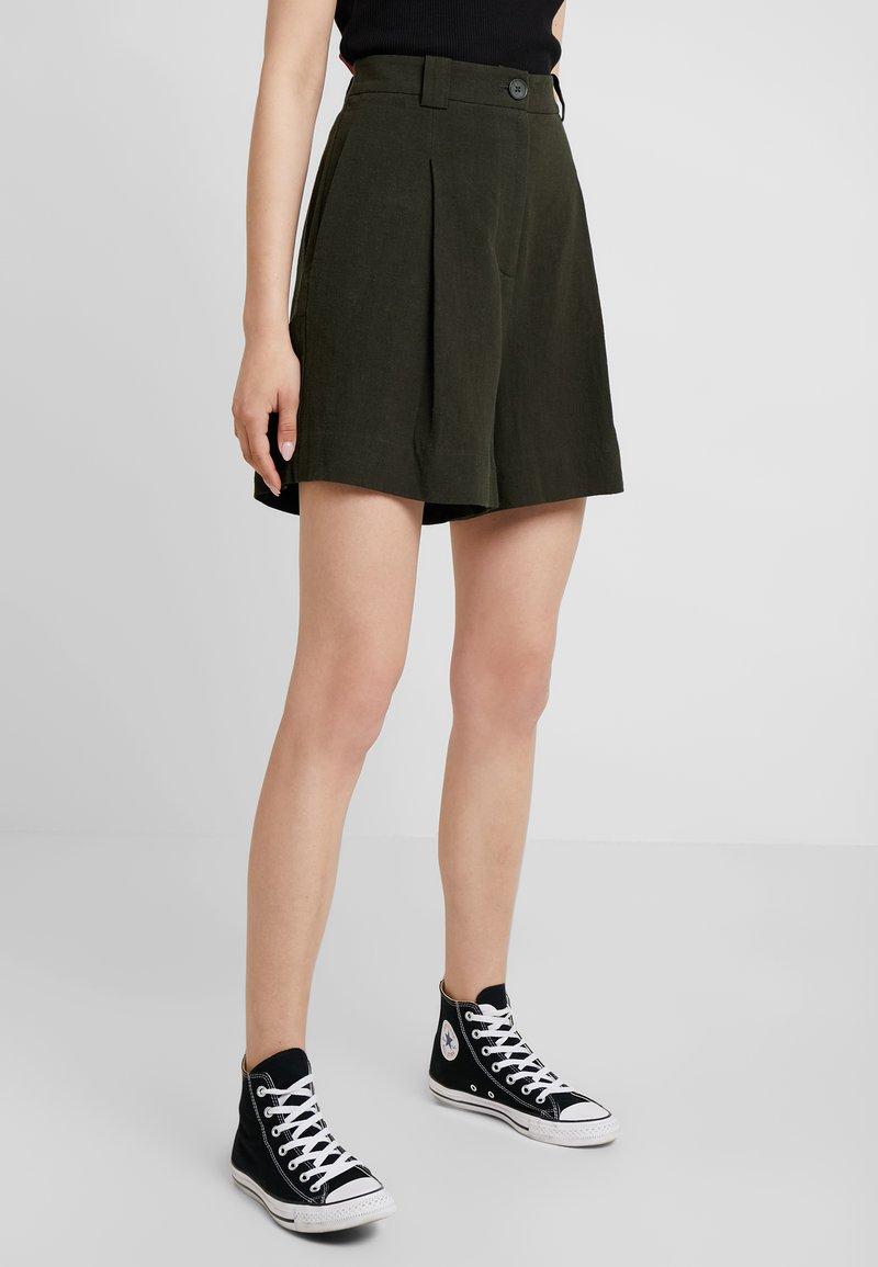 Weekday - VOICE - Shorts - dark green