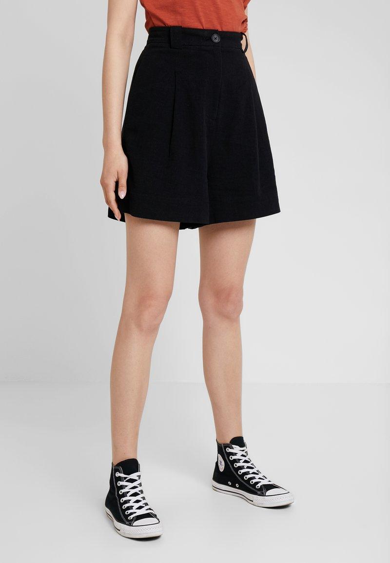 Weekday - VOICE - Shorts - black